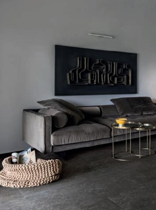Miljöbild med Bluestone mörkgrå platta på golvet